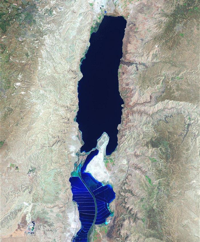 תצלום לוויין של ים המלח